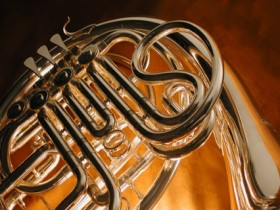 Learn to play French horn